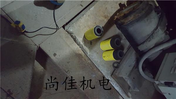螺杆机滤芯更换
