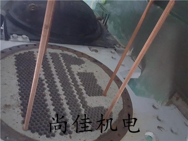 离心机更换容器铜管