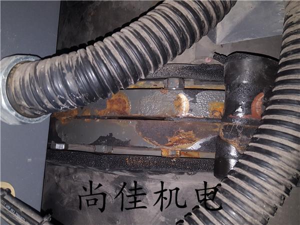 螺杆机冷凝器漏水处理