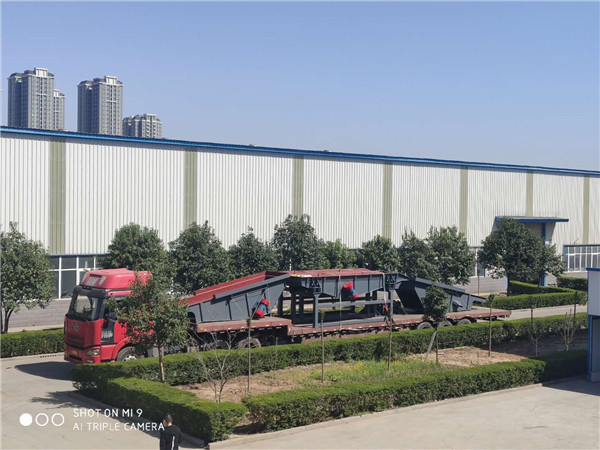 广东方形摇摆筛厂区展示