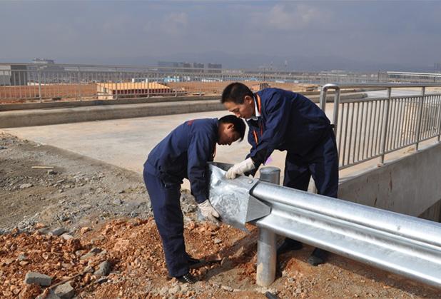 成都波形护栏安装工程成功案例