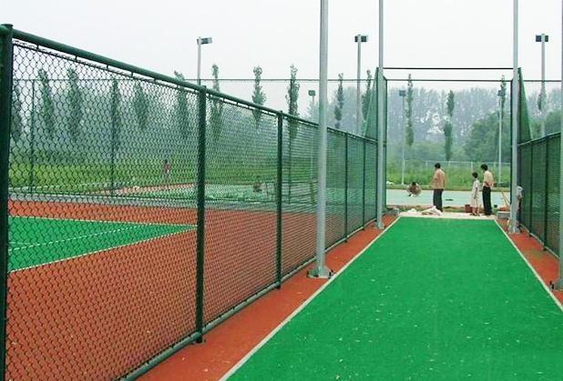 想知道护栏网的类型和安装方法吗?看这里!