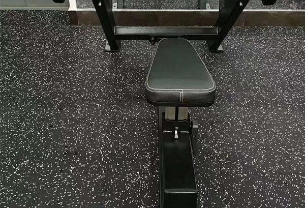 健身房橡胶地垫用哪个牌子比较好?