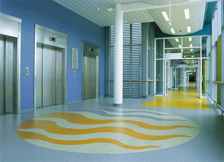 哪有PVC塑胶地板卖?到山东找塑胶地板生产厂家