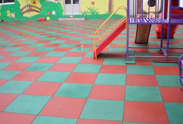 悬浮式拼装地板的材料和制作工艺