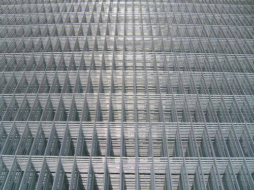 什么原因会导致镀锌钢筋网片开焊呢?