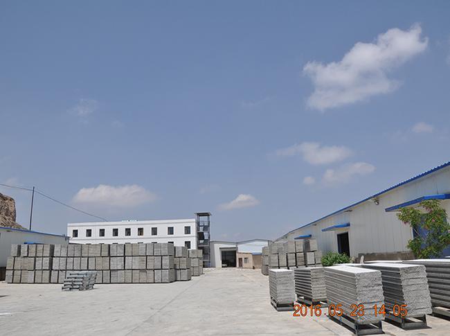 轻质隔墙板存放厂区