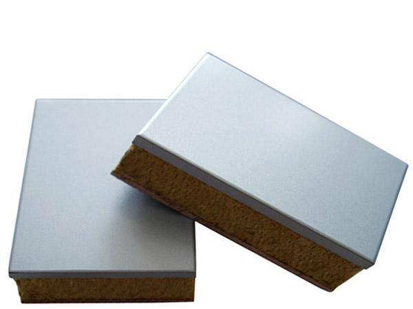 保温装饰一体板表层平面度