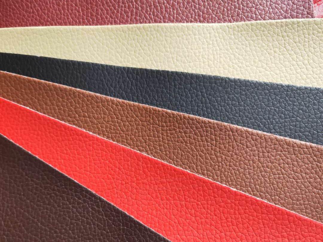 怎么选择一个汽车与成都汽车脚垫相搭配的颜色?