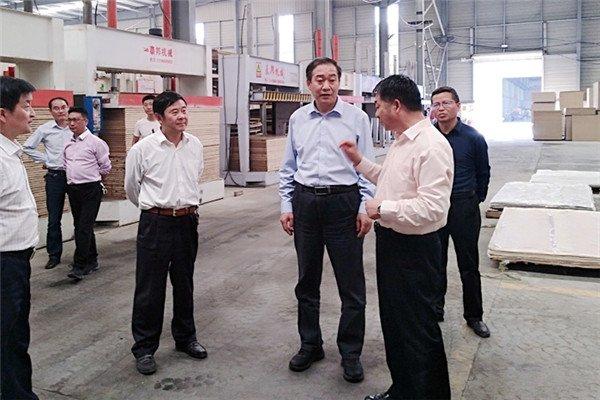 安康市委常委、副市长刘元世深入部分工业企业督导调研
