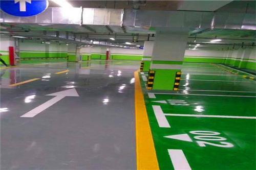 施工铺设成都停车场地坪漆的注意事项