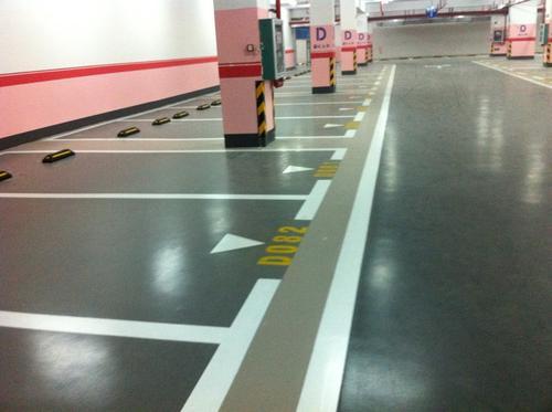 成都停车场地坪漆地坪的不同施工工艺的讲解