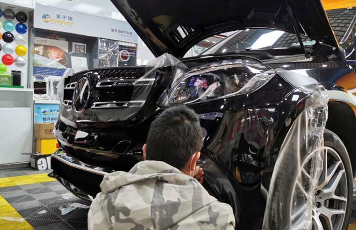 在汽车贴膜的时候,如何来选购汽车贴膜呢?