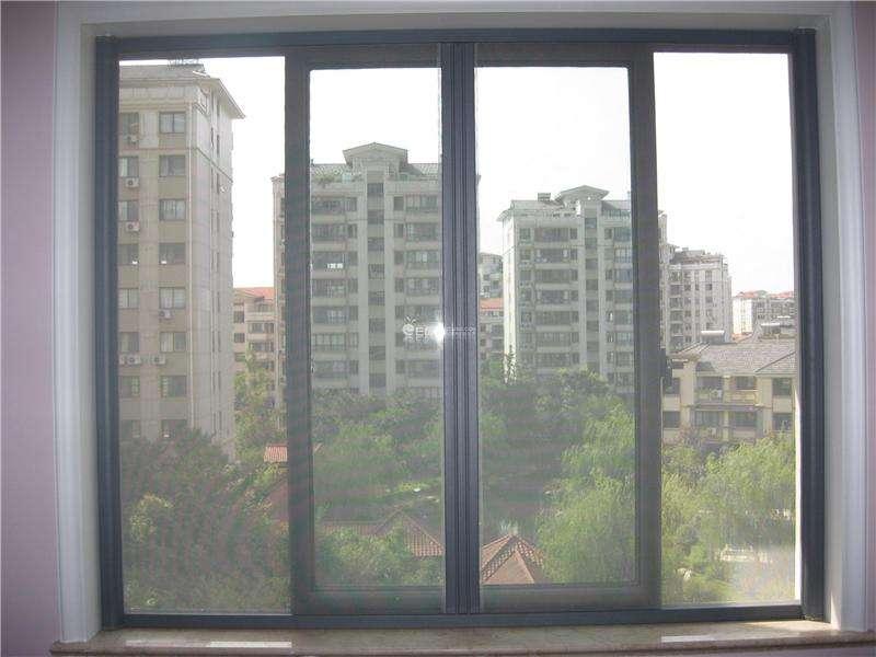 成都纱窗厂家为您揭秘:防盗纱窗为何与普通纱窗价格相差悬殊