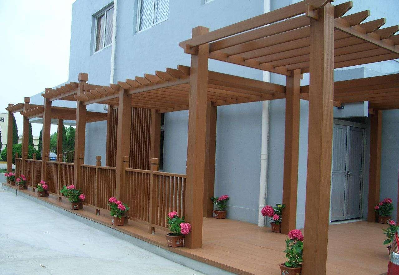 制作的成都防腐木花架在使用上拥有什么样的优势?