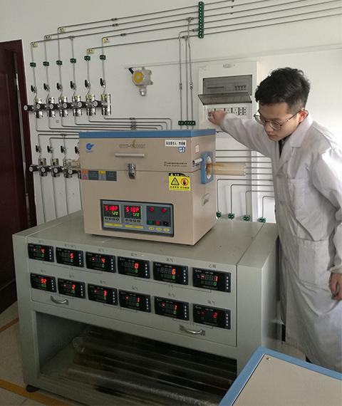 气体稀释装置在军用材料研究中的应用