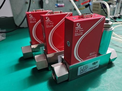 使用气体质量流量控制器时不小心渗入液体的处理方式