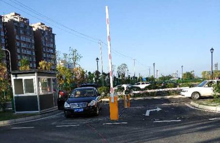 现代生活中安装四川智能停车系统受益的不只是管理者