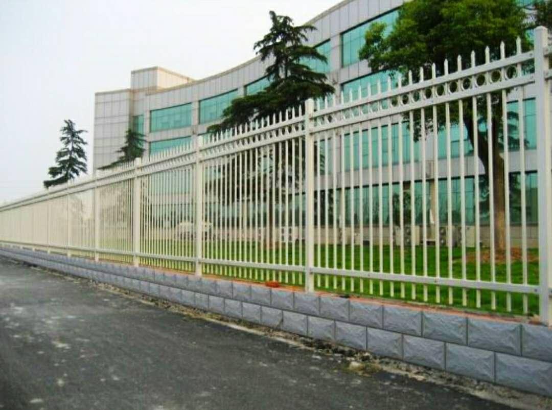 校园围墙示例图