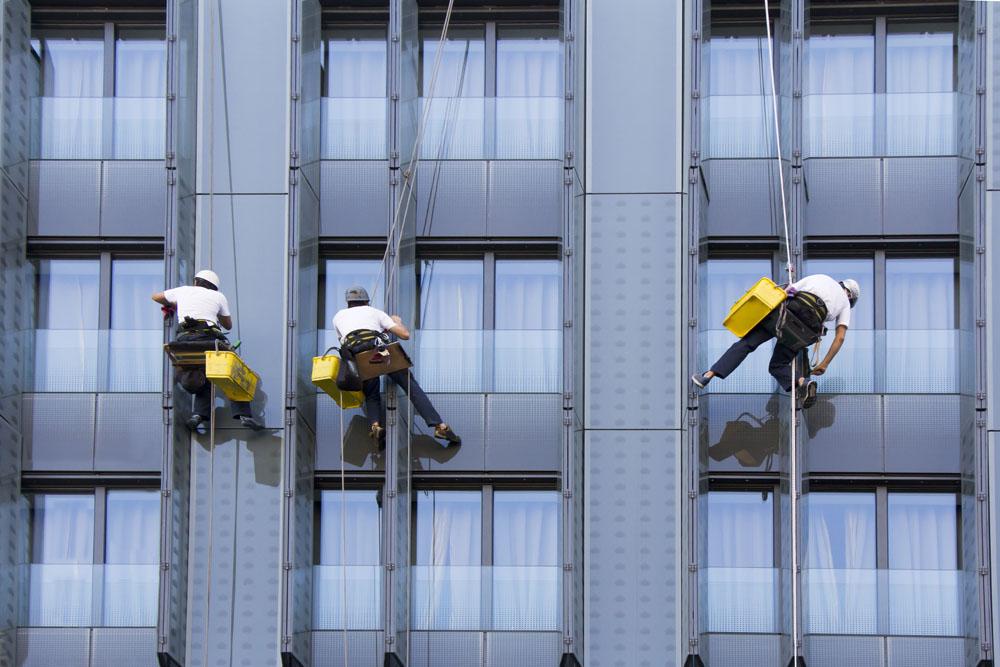 高空外墙如何清洗?教你5种不同材质外墙清洗