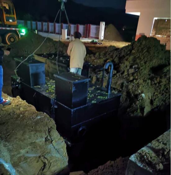 恭喜我公司小学污水处理站安装完成