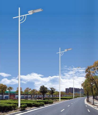 环保的LED路灯与常规路灯相比具有哪些优势?