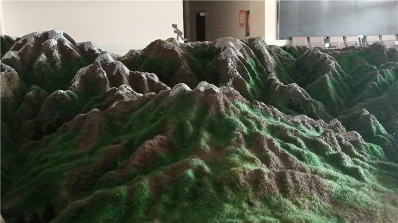 新疆地形地貌沙盘