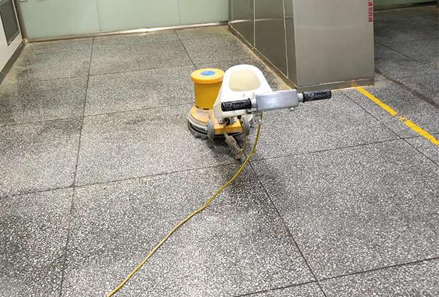 光洁石材为你揭秘成都水泥地坪打磨抛光方法和地面起灰原因