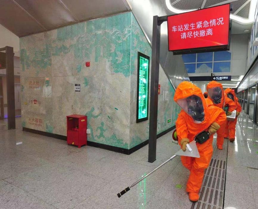 在密闭的地铁发生火灾,这些身边条件会让你成功脱险的哦!