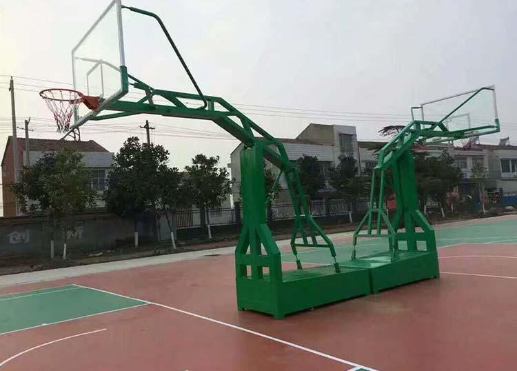移动篮球场