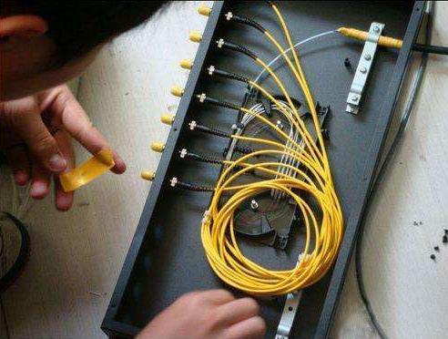 光纤熔接损耗的主要因素有哪些?