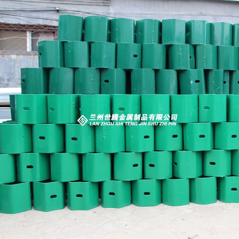 三波波形镀锌护栏板 护栏板生产厂家
