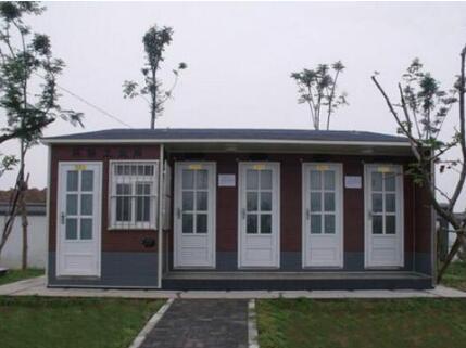 4厕位+管理间+残障间防腐木式移动厕所让生活更美好