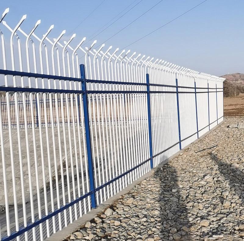 甘肃海润建设工程有限责任公司  锌钢护栏施工安装