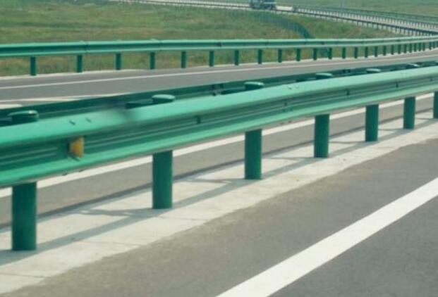 世腾护栏带给公路维护哪些便利 波形护栏又立功了