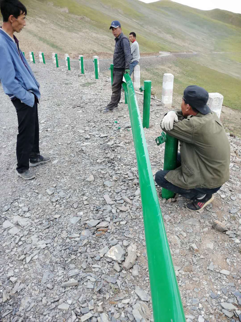 青海波形护栏