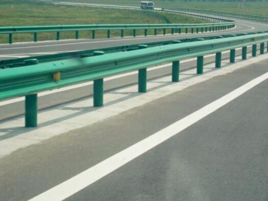 波形护栏的施工问题应该怎么样来得到解决