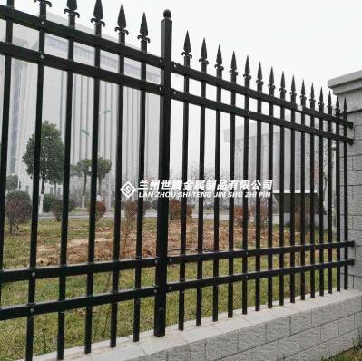 护栏的生产工艺决定了护栏的种类和使用场所