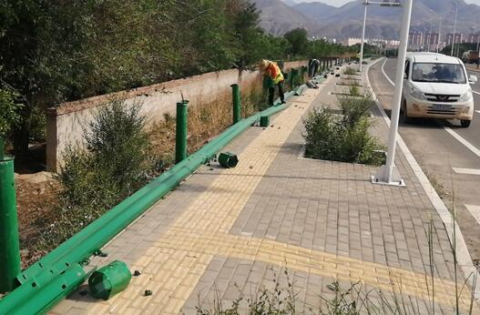 波形护栏分为两种等级的主要用途和原因