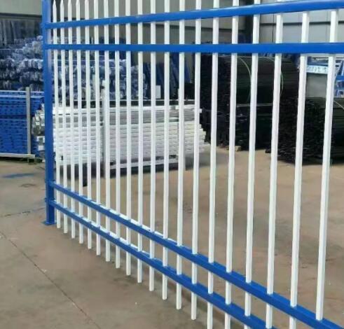 在锌钢护栏的生产处理问题上护栏厂家有妙招