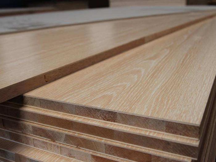基材产品有很多,你知道薄木贴皮和科定板有何不同?
