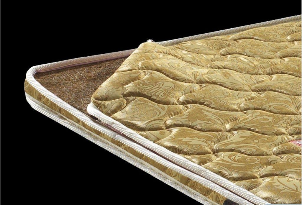 床墊上的那層薄膜,到底要不要撕掉?