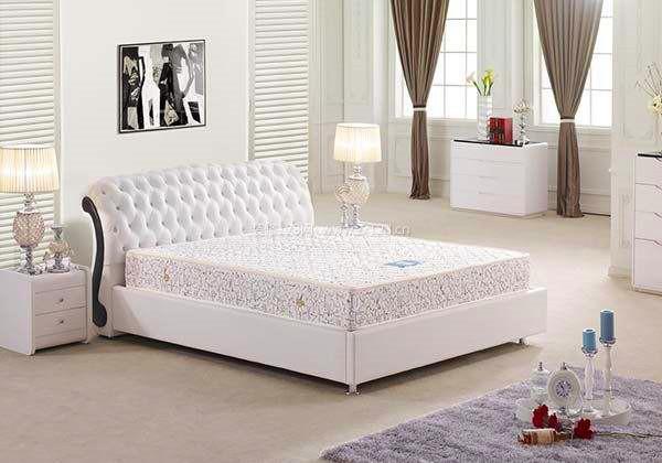 床墊無論是對睡眠還是對人體的健康都十分的重要,那麽軟床墊和硬床墊,哪個更有利健康