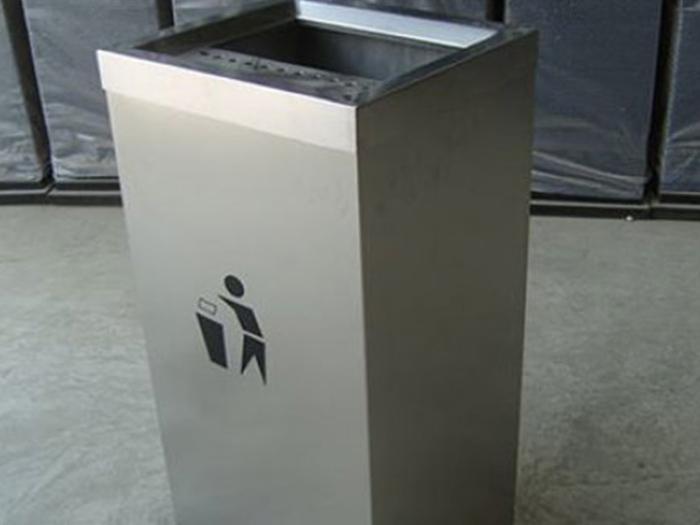 不锈钢垃圾桶图片展示