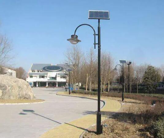 庭院花园设计,如何挑选太阳能庭院灯?
