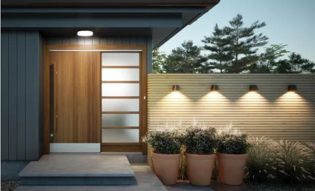 太陽能庭院裝飾燈,給夜晚的花園添加了不少的樂趣