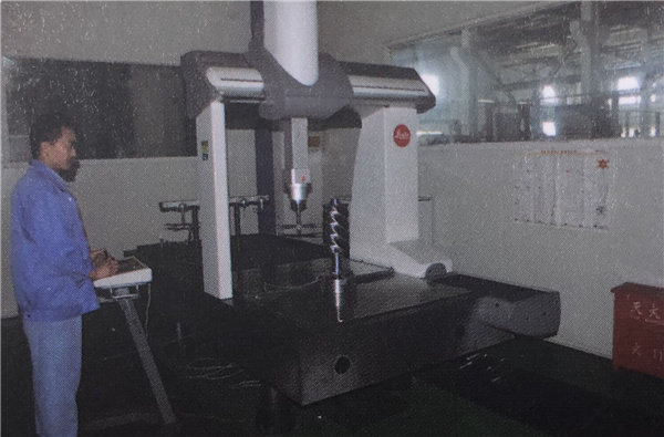 久德空压机**自动化生产机器