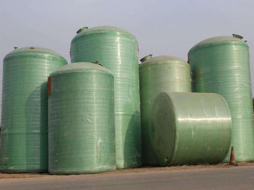 河南玻璃鋼消防水罐具有哪些優勢,才讓如此的受歡迎呢?答案在這里