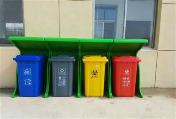 垃圾桶是根据不同垃圾来分类的,分类垃圾桶颜色标识