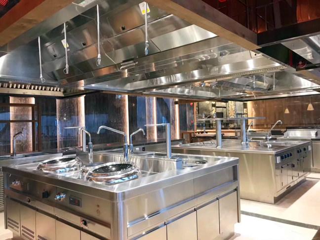 简述西安商用厨房设备进行定期的清理工作,那么有哪些有用的清理小窍门呢?